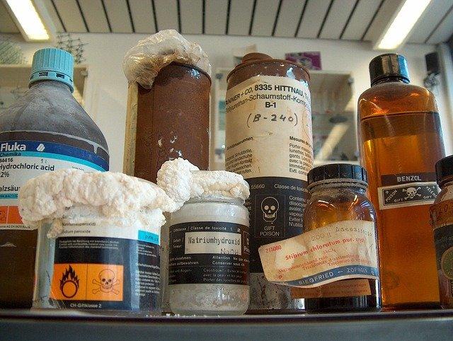 eliminación de residuos en los laboratorios